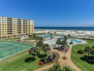NEW LISTING! Gulf-front w/ balcony, shared pool, hot tub, & beach access