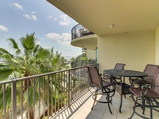 NEW LISTING! Waterfront condo w/ shared pool, hot tub, waterslide, & boat slip