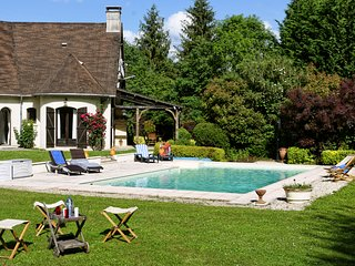 4 bedroom Villa in La Tree, Bourgogne-Franche-Comte, France : ref 5666561