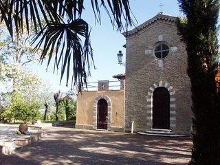 Pesaro Villa Sleeps 6 with Pool - 5218296