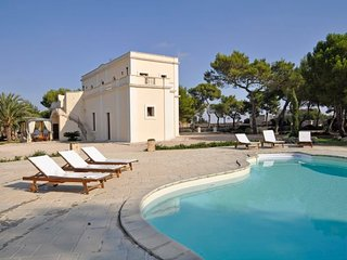 Santa Caterina Villa Sleeps 10 with Pool Air Con and WiFi - 5218320