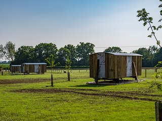 Suffolk Farm Stay in a Traditional Shepherds Hut - Hut No. #4
