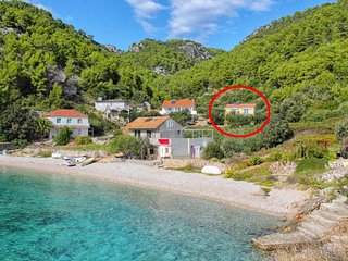 Two bedroom apartment Cove Skozanje bay - Skozanje (Hvar) (A-14899-a)