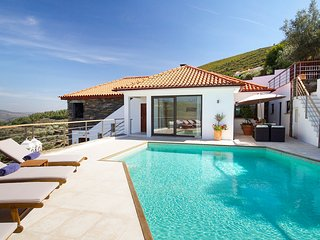 3 bedroom Villa in Gouvaes, Vila Real, Portugal : ref 5666662