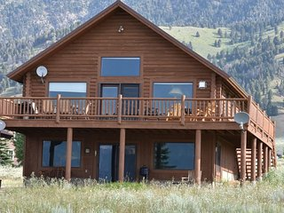 Perfect Vacation Cabin just 15 miles from Yellowstone Park