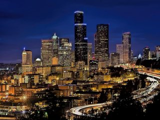 Deplane at  Blaine ★ 2 Seattle Apts ★ Sleeps 14!