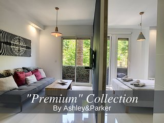 Ashley&Parker - CELIA PREMIUM - Well situated and all NEW