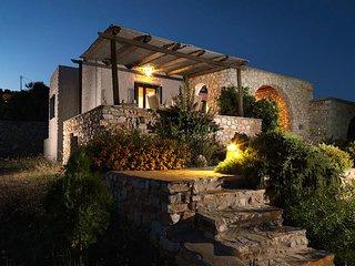 Villa Artemis, Agia Irini