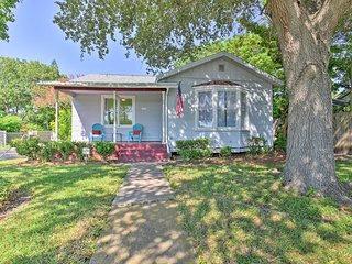 NEW! Vintage Corpus Christi Home 2 Blocks to Beach