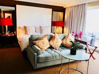 Super Host Listing-Elegant Ocean View Waikiki