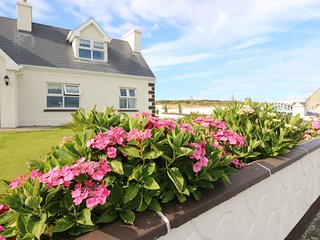 BREEN'S COTTAGE NO 2, all ground floor, double bedrooms, in Doonbeg