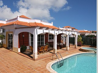 4 bed luxury Villa - Private Pool, Jacuzzi and Table Tennis