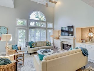 Gorgeous Updated 4BR Palmetto Dunes Townhome w/ Pool - Steps to Beach