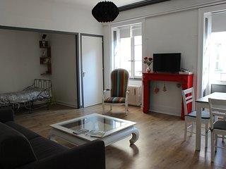 NOUVEAU appartement calme, renove.centre ville historique 5 pers