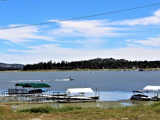 ~Lakeside~Furnished Family Cabin On The Shore~