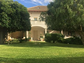 Villa Biancamaria Tavernetta indipendente immersa in un prato all'inglese