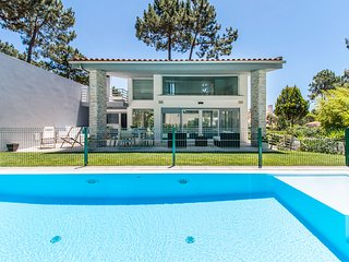 4 bedroom Villa in Aroeira, Setubal, Portugal : ref 5666796