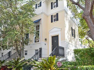 Amazing Location! Atlantic Ave and Beach Townhouse