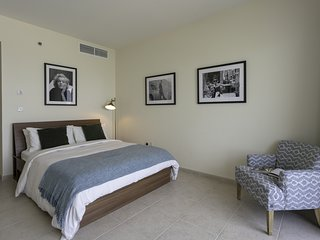 Luxury 1BR in Marina! High-Floor, Full Seaview!