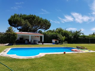 LOVELY 220 M2 VILLA WITH POOL AND HUGE GARDEN - MAX 9 PEOPLE