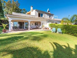Golf Villa Paraiso directly on the golf course sleeps 8.