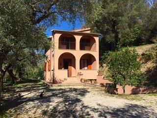 Argentella House - Villino panoramico con giardino.