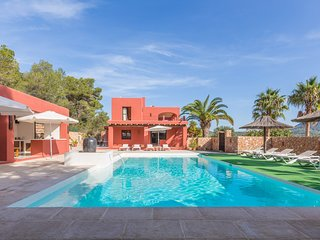 Catalunya Casas: Alluring Villa Vendi, just 2km to Cala Carbo beach!