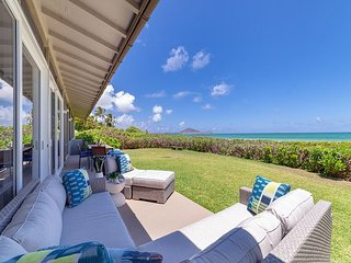Kailua Beachfront~private~newly renovated 3 bd private home w/stunning views