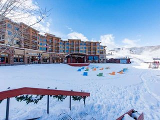 Sundial 2 Bedroom Black Forest Slopeside Suite
