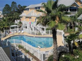 NEW LISTING! Updated townhome w/WiFi, shared pool & 2 patios -steps to the beach