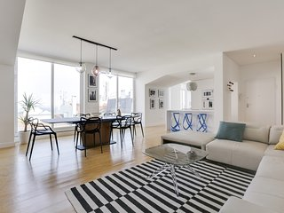 Central Lisbon penthouse with rooftop & and 3600 view