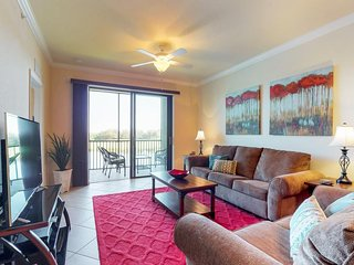 NEW LISTING! Waterfront condo in gated community w/ shared pool, tennis, & golf