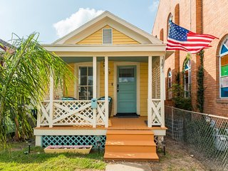 NEW LISTING! Dog-friendly house w/back patio - great location close to the beach
