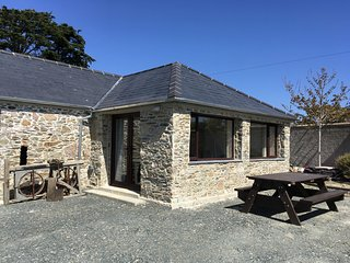 Wagtail Restored Barn, Our Lady's Island, Carne,  Wexford - 2 Bedroom Sleeps 4 -