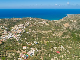 Aerial view showing location of Villa Gerani Panorama
