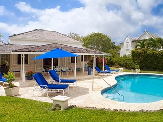 Caribbean Casas: Cute Villa Coco up to 8 guests, just a short drive to the beach