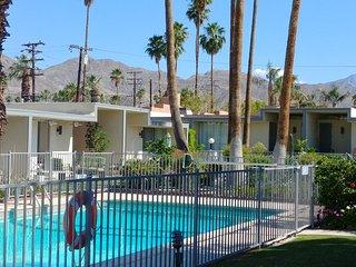 Mid-Century Modern California Classic Condo