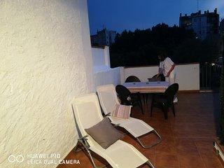 Figueres Centre. Familias y grupos. Wifi. Al lado del museo Dali.