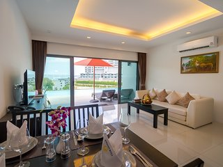 Luxury 1 Bed Deluxe Suite - 2 Adults 2 Kids