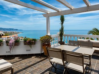 Terraced house with stunning seaview