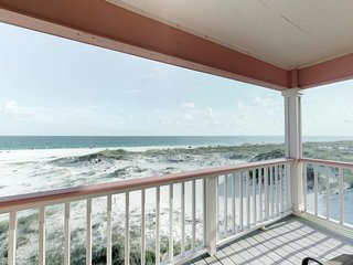 NEW LISTING! Large beachfront duplex w/balconies, views & shared pools/hot tub