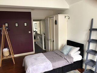 Amazing Castle House in the HEART of CAMBRIDGE, sleeps 11 !!