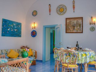 Typical Anacaprese Villa - Seaview - Garden - BBQ - WI-FI