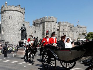 Windsor's Town Centre is home to Windsor Castle, a 5 minute car ride away  from Pixie Place.