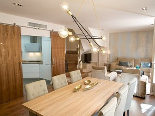 Premium 2 bedrooms with balcony next Larios Street and close Beach Malaga