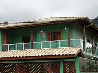Apartamento em Maranduba, a apenas 100mt da Praia, para 8 pessoas