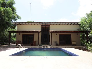 Beautiful 2 bedroom, 2 bath House next to the 'Boom' with Pool!! A/C hot showers