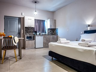 Asteri Suites - Junior Suite #8