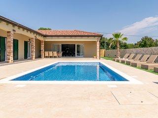 Your perfect vacation villa Idassa