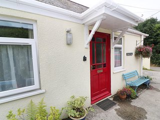 BREAK AWAY, ground floor annexe, Jacuzzi bath in Tywardreath, Ref: 14843